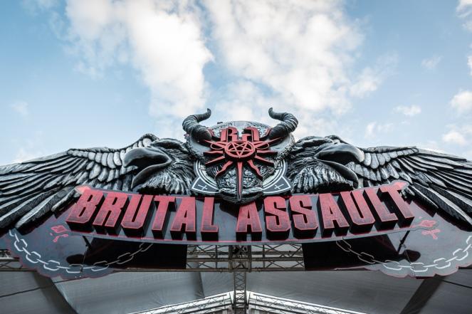 brutalassault_gate